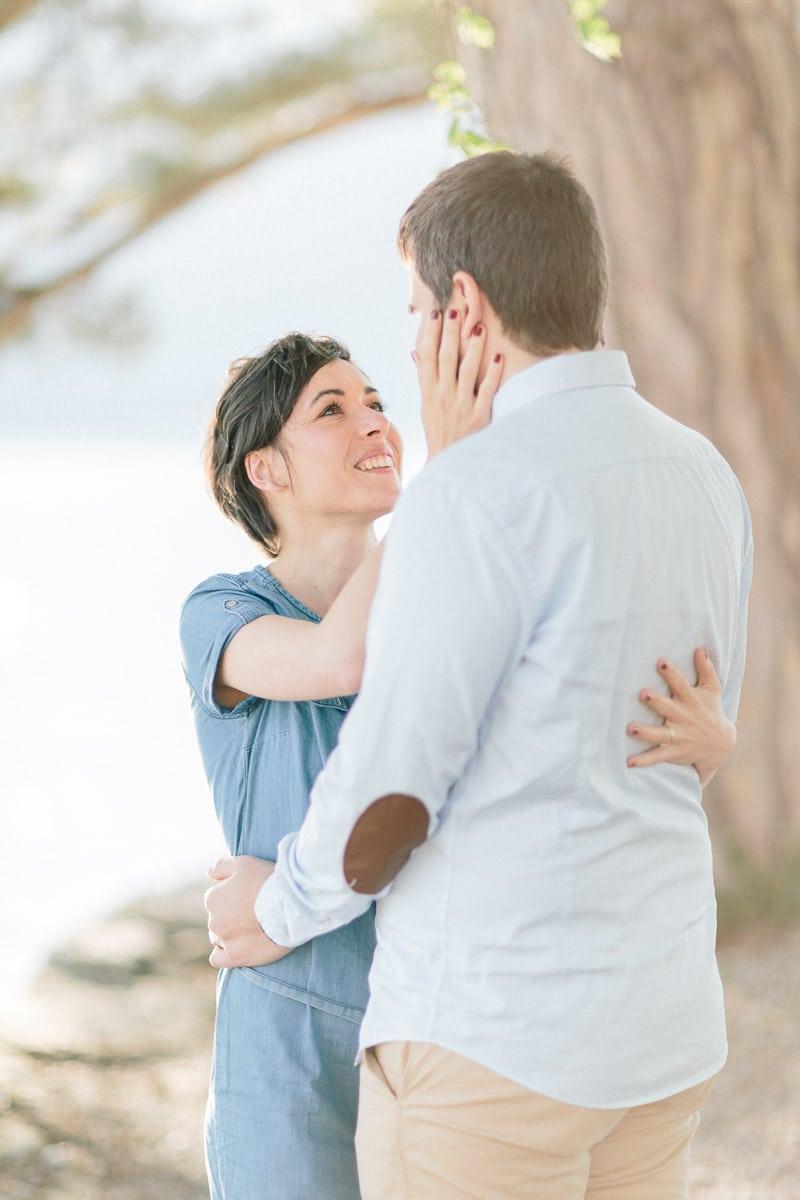 photographe couple engagement annecy geneve demande mariage main 010