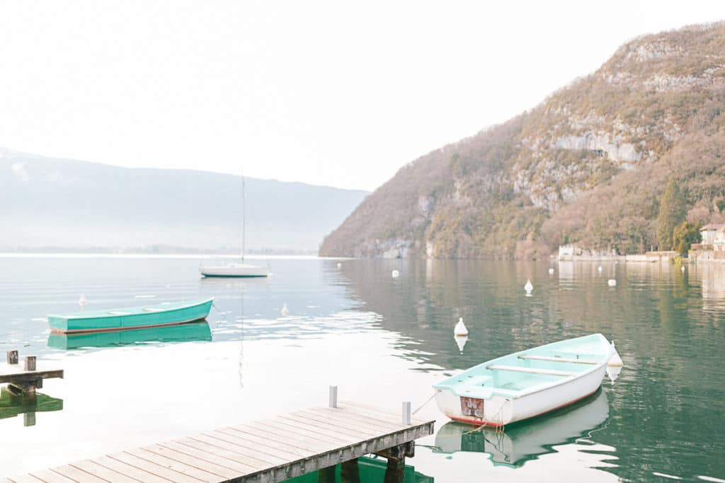 Photographe de portrait à Annecy en Haute Savoie (74). Shooting photo au bord du lac à Talloires