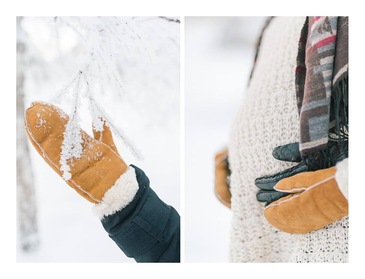photo de détails des mains à Morzine en hiver dans la neige