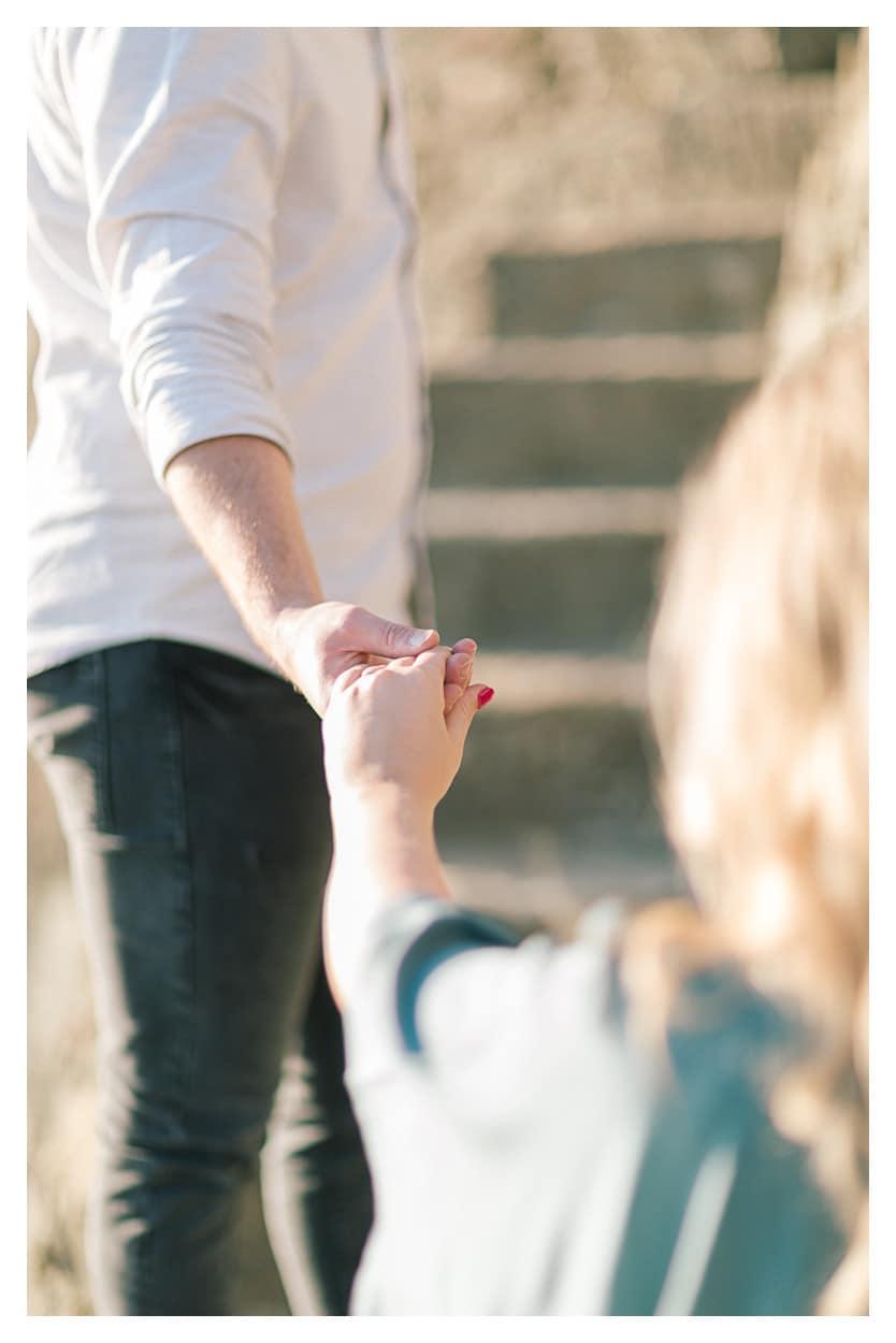 photo de grossesse main dans la main à Lausanne