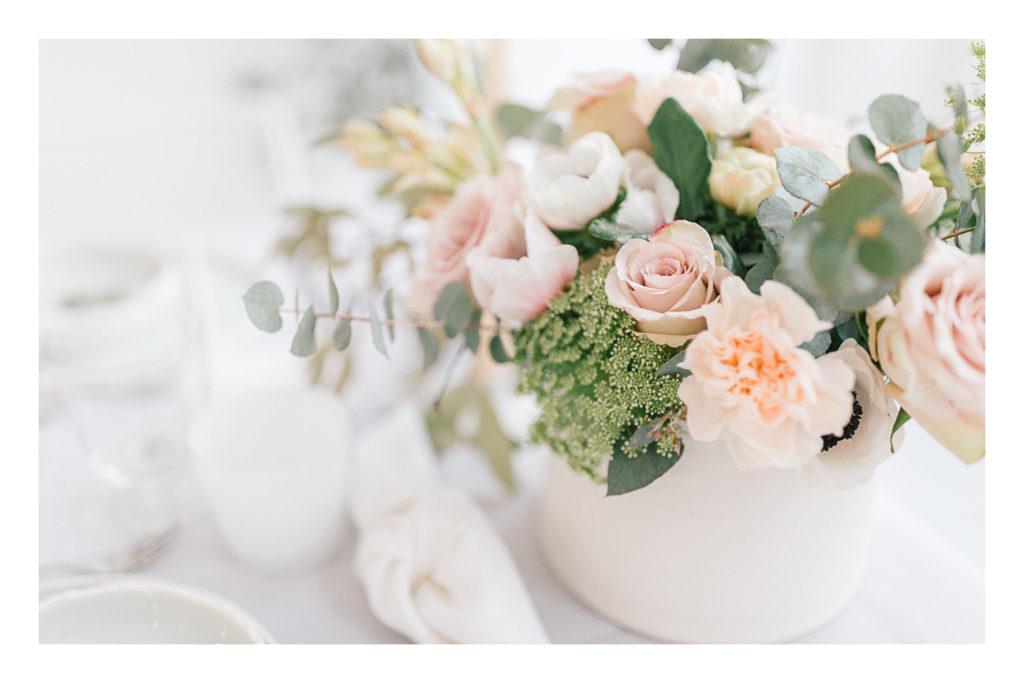 Photo des fleurs de la table du mariage
